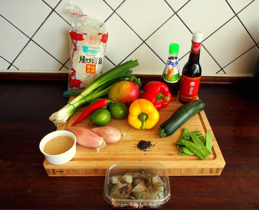Ingredience - letní krevetový salát